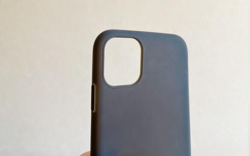 3_iphone11_シリコンケースELECOM_PM-A19CSCBK背面